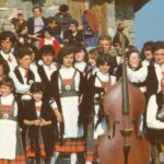 cropped-gruppo-folcloristico-101.jpg